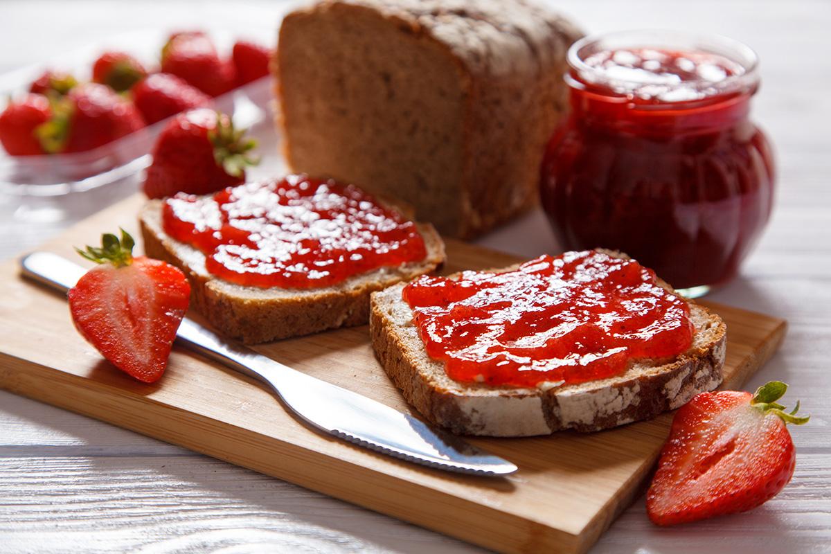 Marmellata fatta in casa: marmellata di fragole