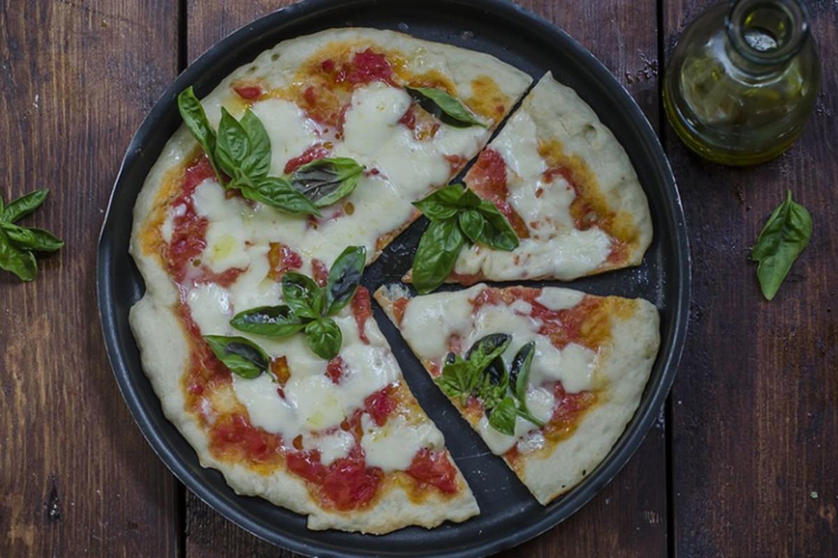 Ricette con la mozzarella: pizza margherita