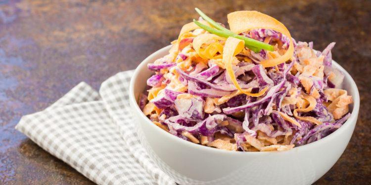 Coleslaw: un contorno appetitoso