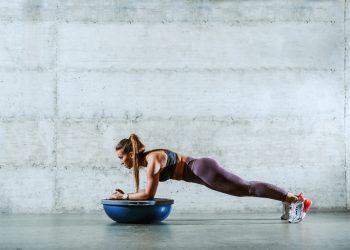 core stability: cos'è, come allenarsi, programma di allenamento per principianti e allenati