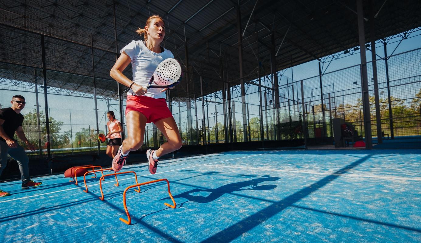 paddle tennis: cos'è, regolamento, allenamento, benefici e storia