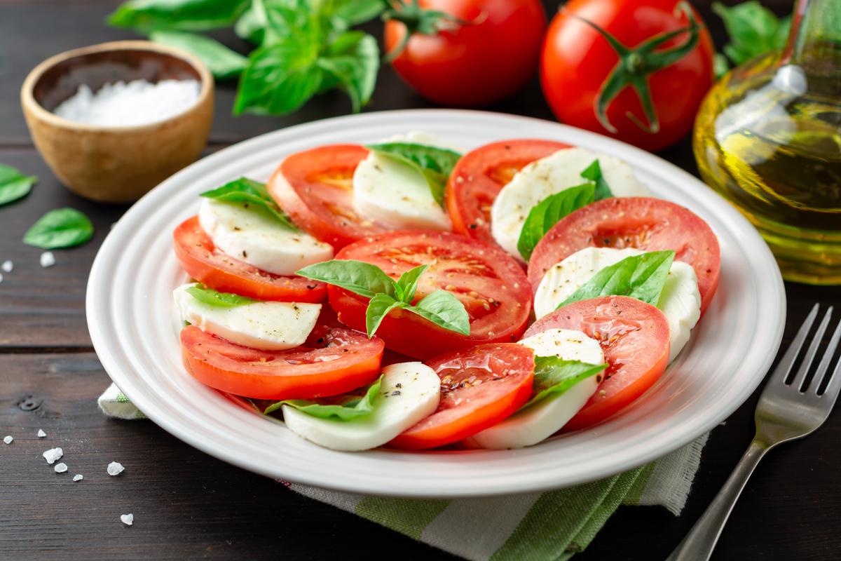 ricette insalate veloci e sfiziose: caprese