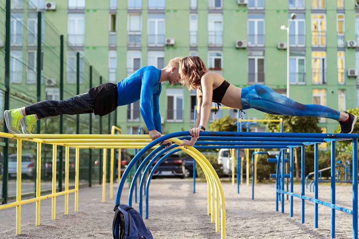 calisthenics: workout e circuito di allenamento per principianti, intermedi e avanzati