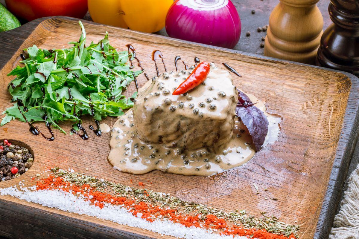 Filetto al pepe verde: scegli un contorno fresco