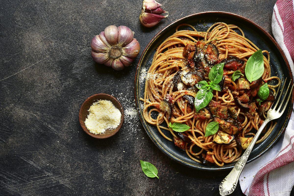Pasta alla Norma con pomodori e tofu: innovativa e golosa