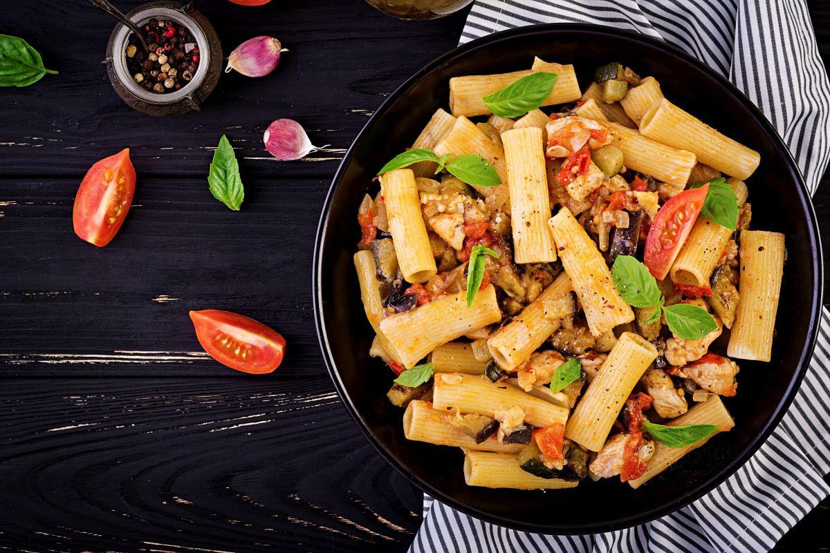 Pasta alle melanzane: un classico mediterraneo