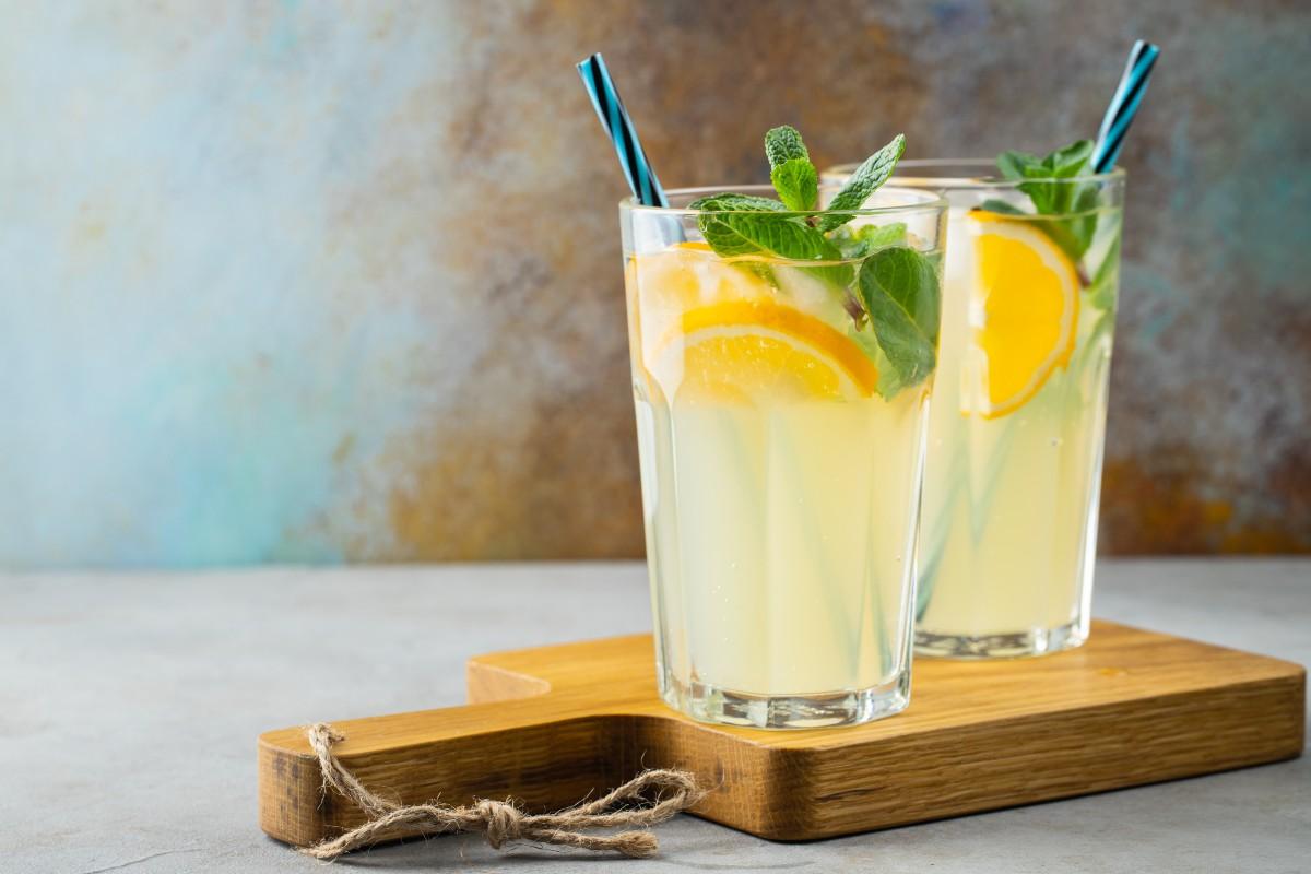 Limonata fatta in casa: ricette con limone
