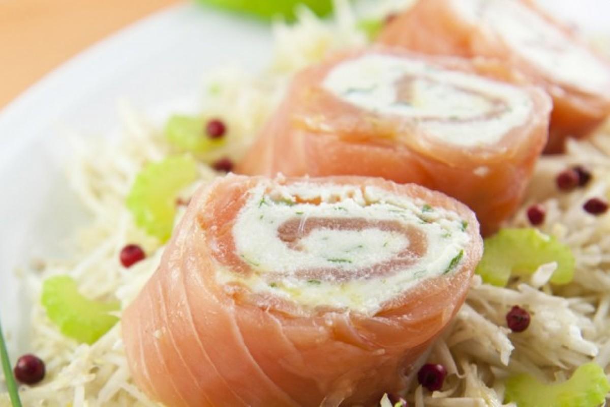 rotolini salmone e ricotta