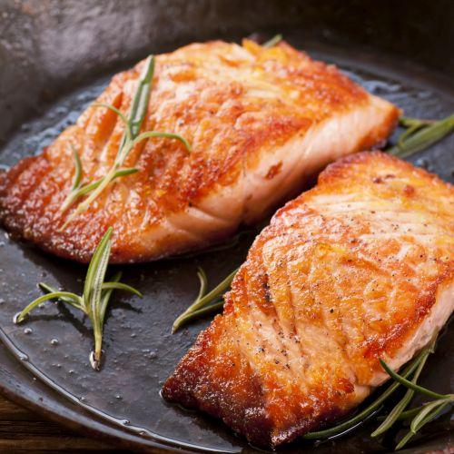 Salmone in padella: un secondo gustoso