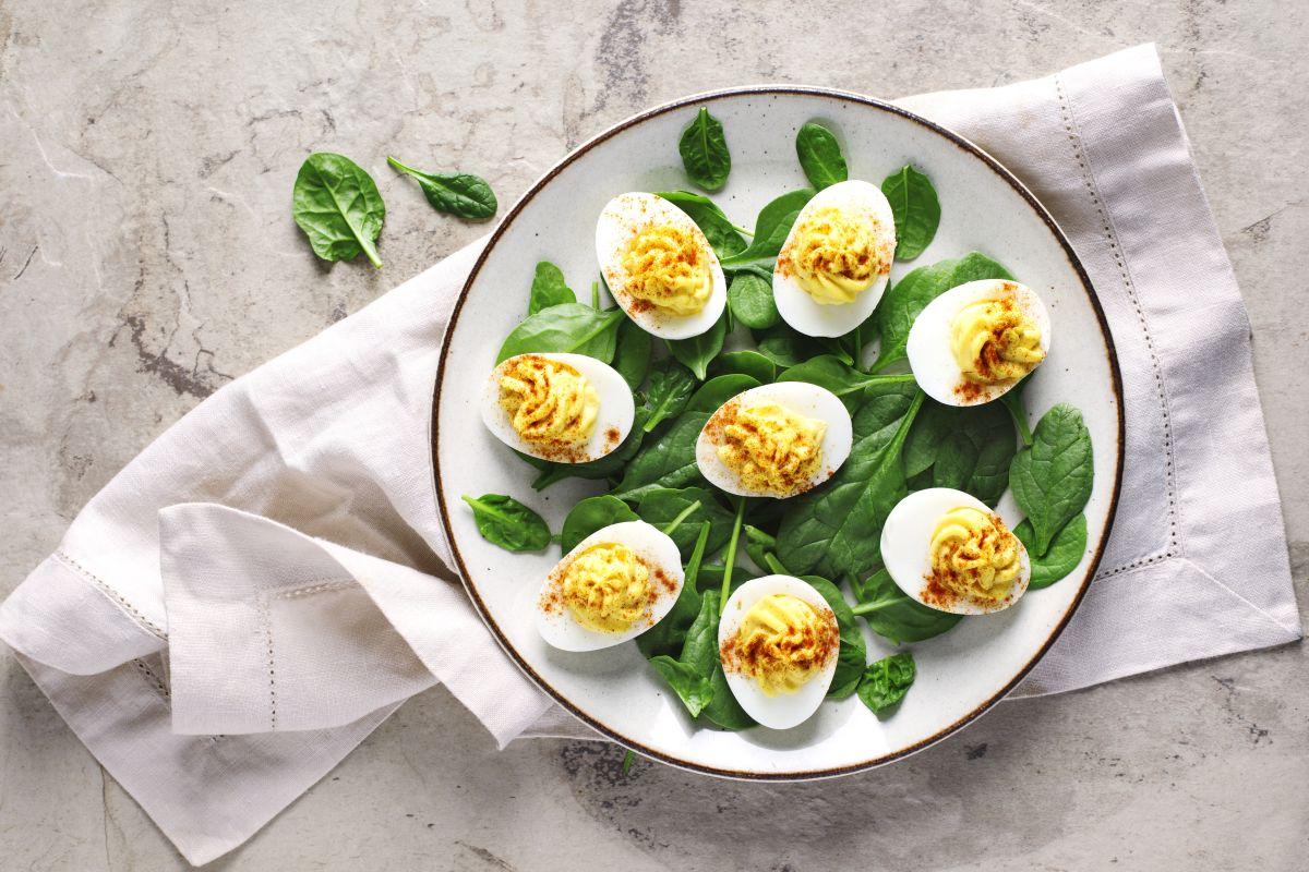 Uova sode: un secondo leggero e completo