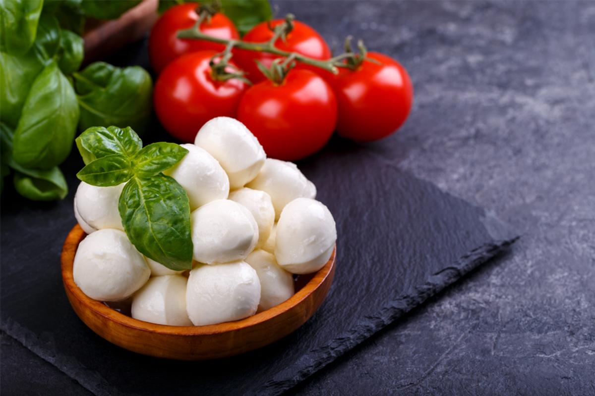 Alimenti con meno di 120 calorie: mozzarella