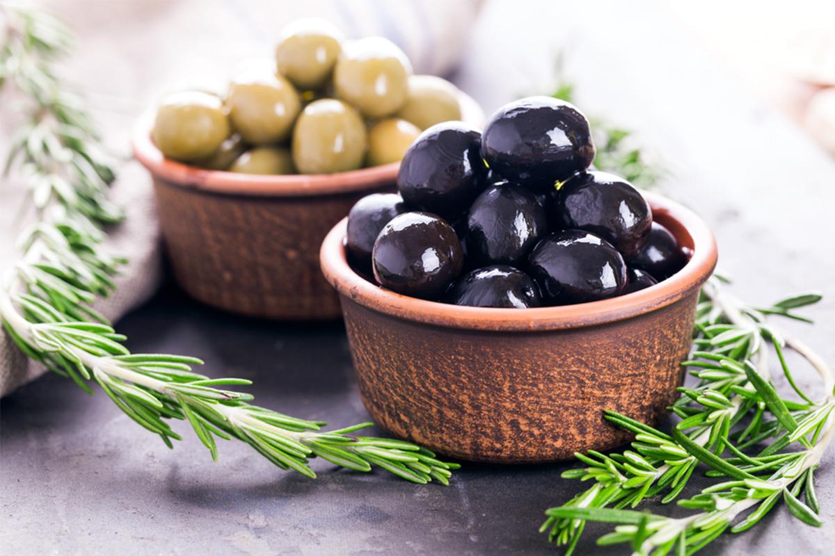 Alimenti con meno di 120 calorie: olive