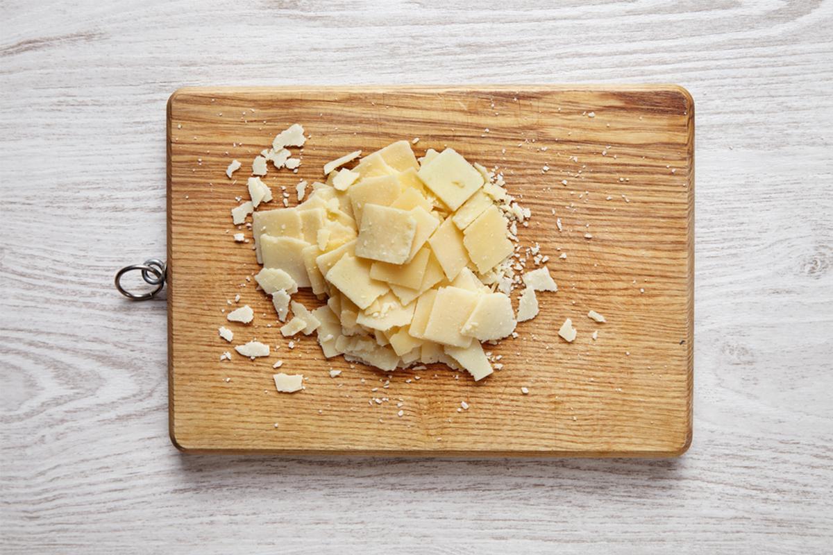 Alimenti con meno di 120 calorie: parmigiano