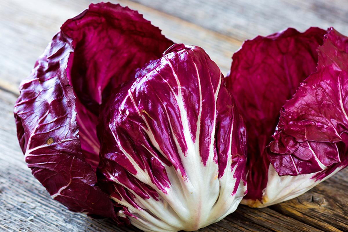 Alimenti con meno di 120 calorie: radicchio rosso