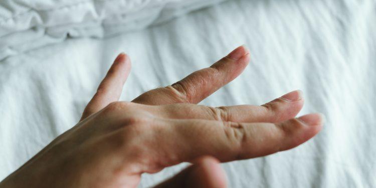 disidrosi mani e piedi: cos'è, cause, sintomi e cure