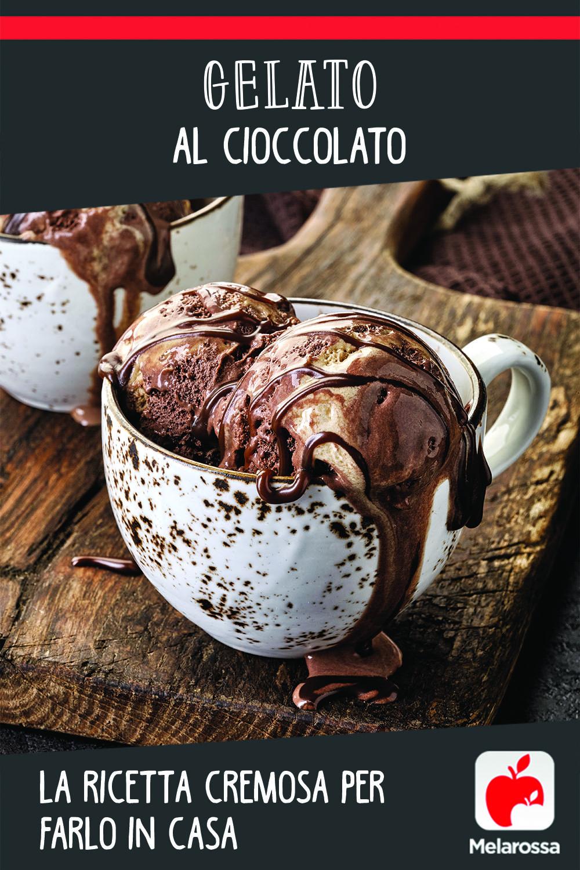 gelato al cioccolato con gelatiera