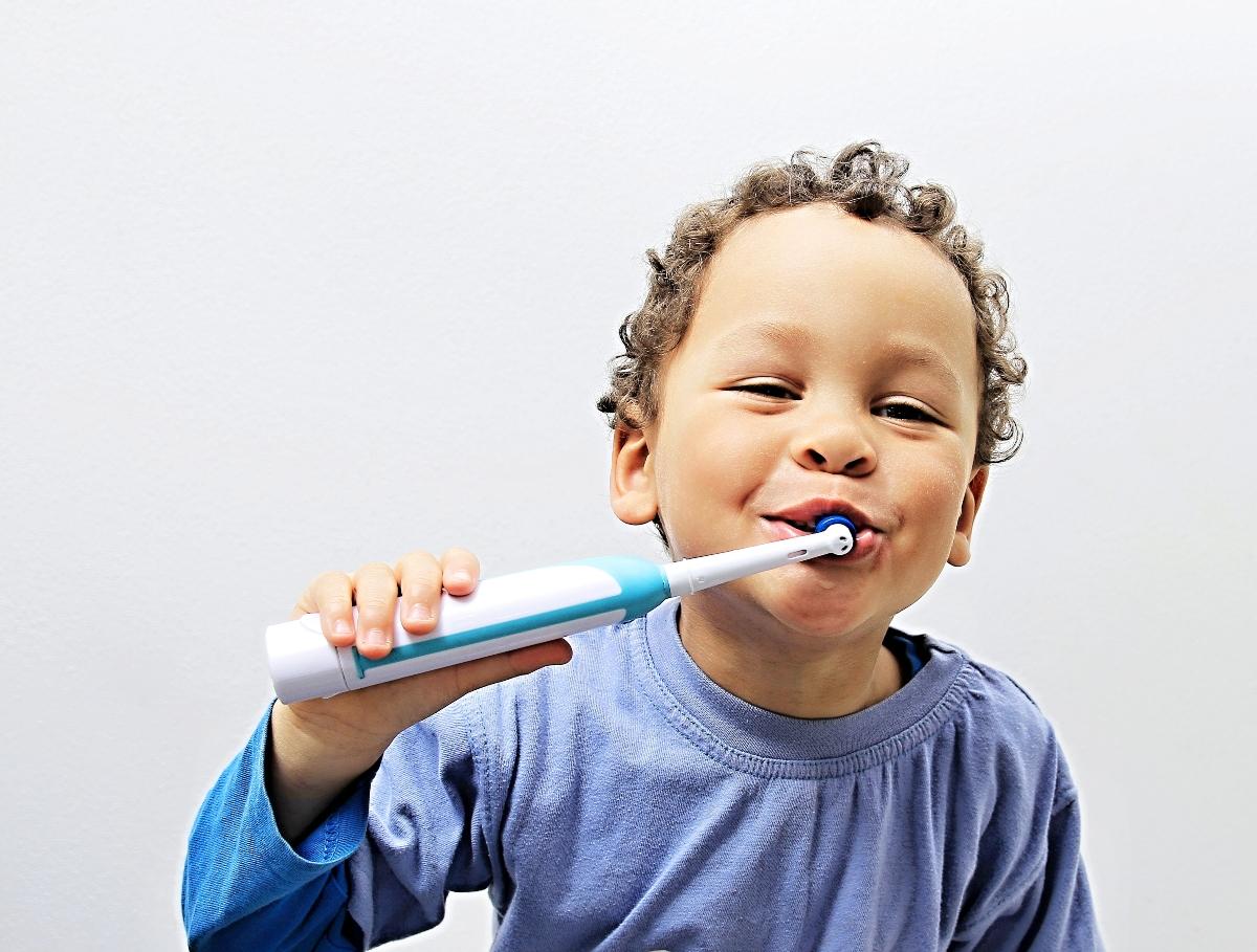 prevenzione della gengivite: come scegliere lo spazzolino elettrico