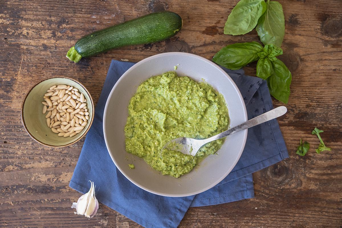 Pesto di zucchine procedimento