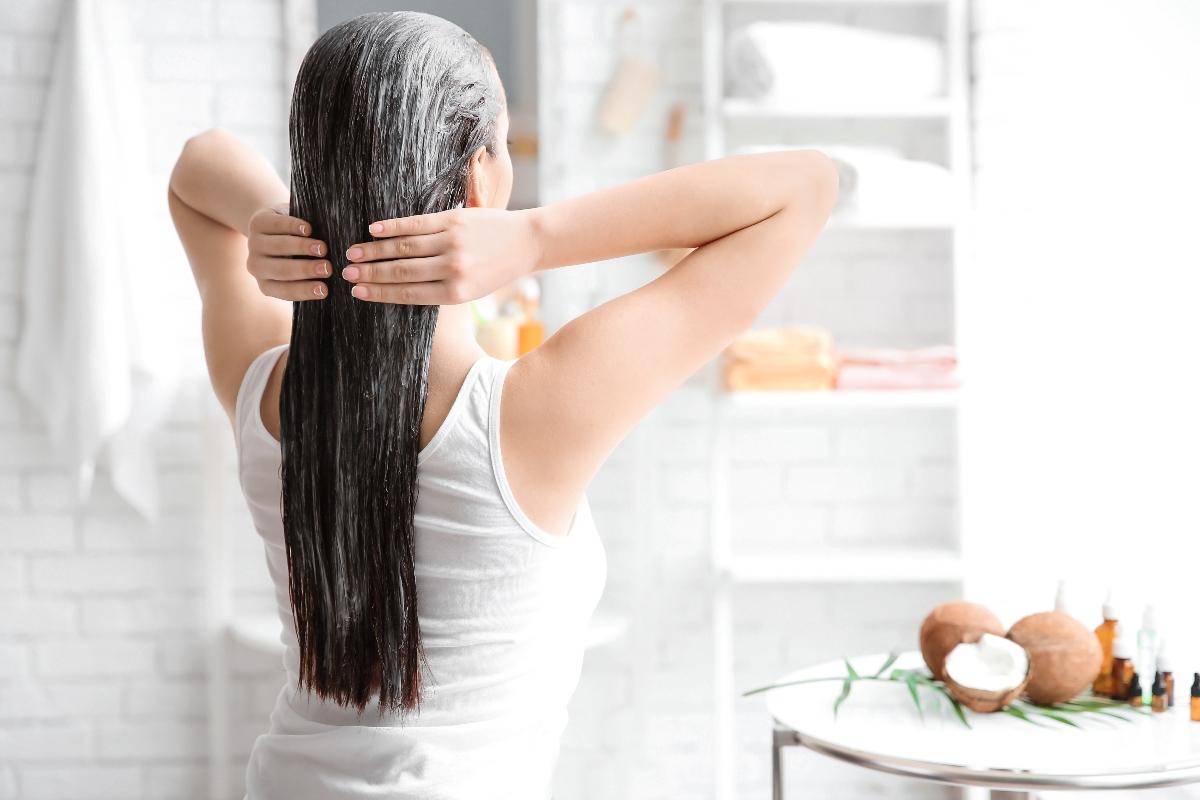 capelli lisci: rimedi naturali