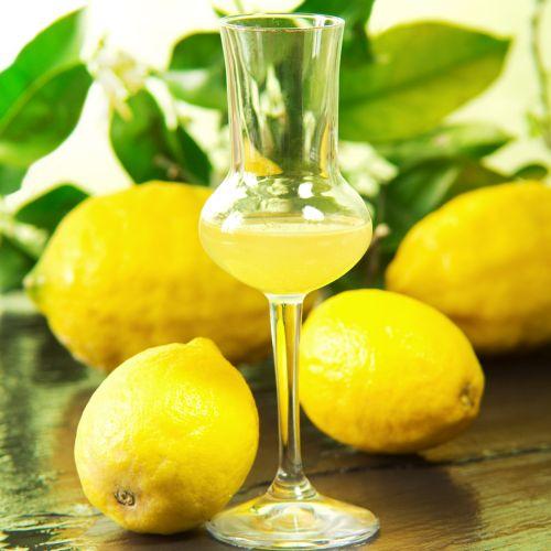 Limoncello: la ricetta del liquore di limoni