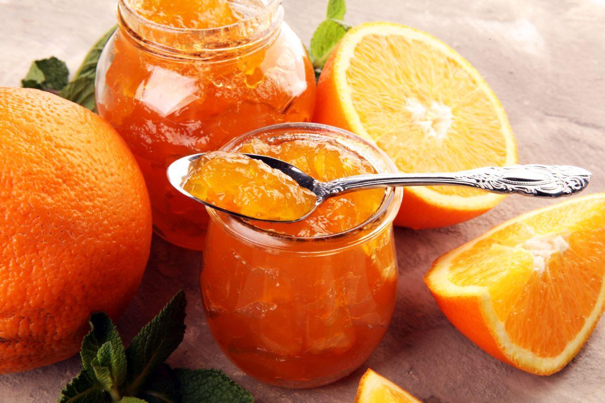 Marmellata di arance: deliziosa anche con quelle amare