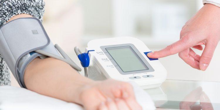 pressione arteriosa: cos'è, tabella dei valori, conseguenze valori alti, come misurarla