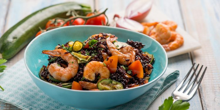 riso venere: cos'è, caratteristiche, valori nutrizionali, benefici, come cuocerlo, ricette