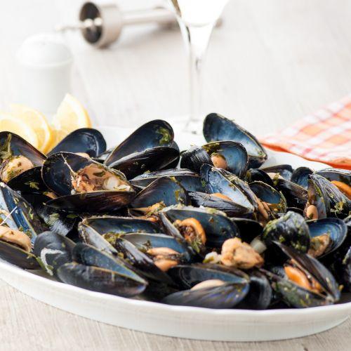 cozze alla marinara: un antipasto leggero e saporito