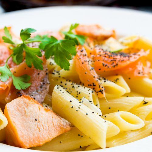 Pasta al salmone: golosa e facilissima da preparare