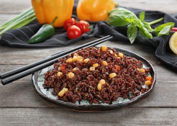 riso rosso fermentato: cos'è, perché fa bene per il colesterolo, integratori, controindicazioni
