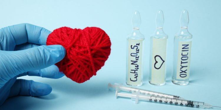 ossitocina: cos'è, a cosa serve e come stimolare l'ormone dell'amore