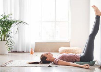 ginnastica posturale: cos'è, a cosa serve, benefici e esercizi da fare in casa